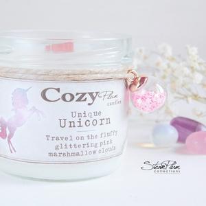"""Unikornis szójagyertya, Otthon & lakás, Dekoráció, Lakberendezés, Gyertya, mécses, gyertyatartó, Dísz, Táska, Divat & Szépség, Gyertya-, mécseskészítés, >>> Unique Unicorn <<<\n\n""""Travel on the fluffy glittering pink marshmallow couds""""\n\nCsillámló bájjal m..., Meska"""