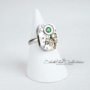 Miss Fern Withlock - gyűrű swarovski kövekkel díszítve, Ékszer, Gyűrű, Statement gyűrű, Régi idők női karóra belsői lényegültek át az egyik legkedvesebb ékszerünké. Meglátod, ha felveszed,..., Meska