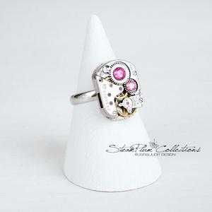Miss Isobel Withlock - gyűrű swarovski kövekkel díszítve, Ékszer, Gyűrű, Statement gyűrű, Régi idők női karóra belsői lényegültek át az egyik legkedvesebb ékszerünké. Meglátod, ha felveszed,..., Meska
