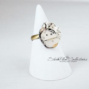 Miss Adrian Withlock - steampunk gyűrű , Ékszer, Gyűrű, Statement gyűrű, Régi idők női karóra belsői lényegültek át az egyik legkedvesebb ékszerünké. Meglátod, ha felveszed,..., Meska