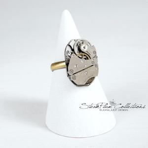 Miss Addison Withlock - steampunk gyűrű , Ékszer, Gyűrű, Statement gyűrű, Régi idők női karóra belsői lényegültek át az egyik legkedvesebb ékszerünké. Meglátod, ha felveszed,..., Meska