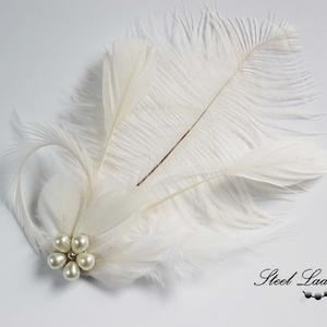 White Princess - fehér toll hajdísz, Táska, Divat & Szépség, Ruha, divat, Hajbavaló, Esküvő, Hajdísz, ruhadísz, Ékszerkészítés, Fehér tollkülönlegesség, melyben minden hercegnő örömét lelheti. :) Különféle formájú tollakat válog..., Meska