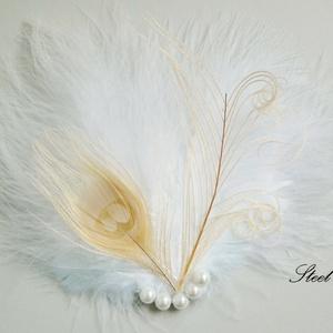 Peacock White - fehér pávatoll hajdísz gyöngyökkel, Táska, Divat & Szépség, Ruha, divat, Hajbavaló, Esküvő, Hajdísz, ruhadísz, Ékszerkészítés, Egy igazán különleges hajdíszt készítettem fehér marabu tollból és albínó páva fehér-bézs farktollai..., Meska