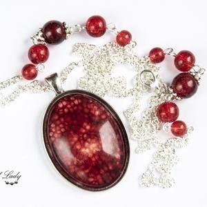 Red Universe - piros gyöngyös nyaklánc, Ékszer, Nyaklánc, Medálos nyaklánc, Ékszerkészítés, Meska