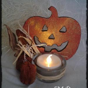 Halloween LED mécses, Dekoráció, Otthon & lakás, Dísz, Lakberendezés, Gyertya, mécses, gyertyatartó, Festett tárgyak, Gyertya-, mécseskészítés, Antikolt, decoupage technikával készített fa alapú tökfej.\nSzárított termésekkel díszített mécsestar..., Meska