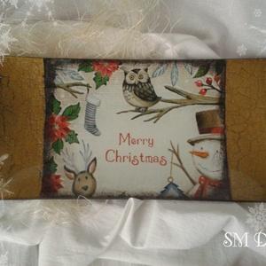 Karácsonyi süteményes tál, Karácsony, Ünnepi dekoráció, Dekoráció, Otthon & lakás, Karácsonyi dekoráció, Konyhafelszerelés, Tálca, Festett tárgyak, Decoupage, transzfer és szalvétatechnika, Üveg alapú, decoupage technikával díszített tál.\nKarácsonyi apró sütemény tálalásához a legtökéletes..., Meska