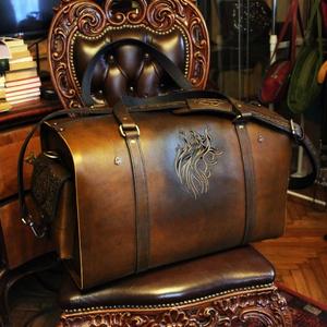 Tamás bőr utazó táska, Utazótáska, Bőrönd & utazás, Táska & Tok, Bőrművesség, Rendkívül aprólékos és egyedi kidolgozással készült, növényi cserzett  marhabőrből készített, húzózá..., Meska