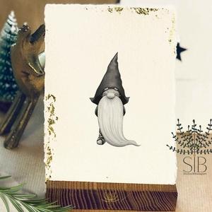 Merített papíros karácsonyi képeslap, manós karácsony, téli karácsonyi üdvözlő lap, vintage stílusú karácsonyi lap, Karácsonyi képeslap, Karácsony & Mikulás, Otthon & Lakás, Fotó, grafika, rajz, illusztráció, Papírművészet, Karácsonyi képeslap kézzel készített merített papíron, aranyfóliával. \nVastag kézműves merített papí..., Meska