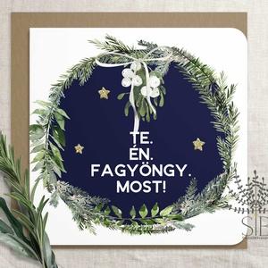 Karácsonyi képeslap, fagyöngy képeslap, karácsonyi üdvözlő lap, karácsonyi vicces képeslap, Otthon & Lakás, Papír írószer, Képeslap & Levélpapír, Fotó, grafika, rajz, illusztráció, Fagyöngy alá csalogató karácsonyi képeslap.\n\nA képeslapok matt, hófehér papírra vannak nyomtatva. \n\n..., Meska