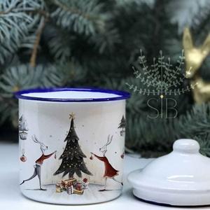 Karácsonyi Bádog bögre, retro bögre, karácsonyi zománc bögre, ajándék bögre, karácsonyi bádog bögre, Bögre & Csésze, Konyhafelszerelés, Otthon & Lakás, Decoupage, transzfer és szalvétatechnika, Fotó, grafika, rajz, illusztráció, Karácsonyi Bádog bögre.\nKedves nyuszis karácsonyi bádog bögre.\nRetro, kék peremes bádog bögre, fedőv..., Meska