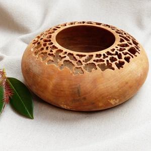 Kedvenc, Művészet, Famegmunkálás, Keleties hatású ez a nyírfa dísztál. Az anyag megmunkálása - esztergálás, marás, vésés - kókusz olaj..., Meska