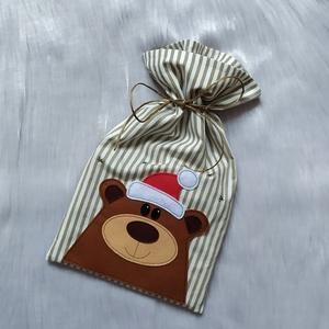 Macis zsák, Karácsony & Mikulás, Mikulás, Varrás, A zsákot pamut anyagból készítettem, erre varrtam filc anyagból a macis mintát. \nAz anyagot varrás e..., Meska