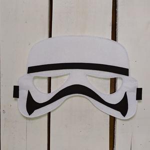 Star Wars - Birodalmi katona álarc, Játék & Gyerek, Szerepjáték, Varrás, Filc anyagból varrtam. \n\nMérete:\nteljes szélessége: 20,5 cm\nteljes magassága: 13,5 cm.\n\nKöszönöm, ho..., Meska
