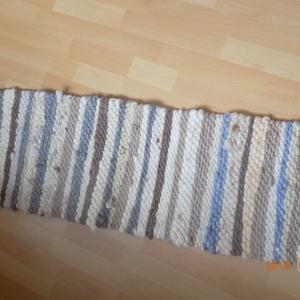 Barnás-gyapjú szőnyeg, Otthon & lakás, Lakberendezés, Lakástextil, Szőnyeg, Szövés, Magfonalas gyapjú, ez egy barnás árnyalatúból készült,puha, kellemes.\n108x38 cm, kilépőnek tökéletes..., Meska