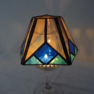 Tiffany lámpácska-mécsestartó, kékkel. (gyertyatartó, mécsestartó,  ajándék, dekoráció, lakberendezés), Dekoráció, Otthon & lakás, Lakberendezés, Gyertya, mécses, gyertyatartó, Lámpa, Gyertya-, mécseskészítés, Üvegművészet, Saját terveim alapján létrehozott gyertyatartó. Utánozza a tiffany lámpát. Méretében sokkal kisebb é..., Meska
