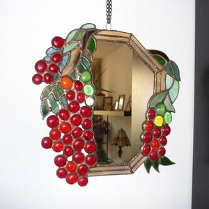 Szőlőmintás tiffany tükör. (tiffany, ajándék, lakberendezés, dekoráció), Lakberendezés, Otthon & lakás, Képkeret, tükör, Dekoráció, Üvegművészet, A szőlőmintás, üveg-gyöngyönkből készült tükröt egy eredeti tiffany minta alapján készítettem, ahol ..., Meska