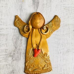 A szeretet angyala , Otthon & lakás, Dekoráció, Ünnepi dekoráció, Karácsony, Karácsonyi dekoráció, Gyurma, Szívet melengető látvány ez az igazán kedves kis ünnepi ajándék.  Ajándékkisérőként, Karácsonyfadísz..., Meska