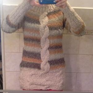 Puha,meleg buklé 42-44-es pulóver, Táska, Divat & Szépség, Női ruha, Ruha, divat, Póló, felsőrész, Kötés, Fázós vagy?\n...-akkor ez a te pulóvered!\n\nCsavart,csíkos,meleg buklé fonalból általam  kötött csípő ..., Meska