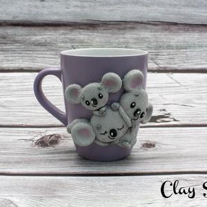Koala macis bögre/koala maci család, Bögre & Csésze, Konyhafelszerelés, Otthon & Lakás, Gyurma, A bögre anyaga kerámia. A dekoráció süthető gyurmából, kézzel készült, aprólékos munkával.\nMérete 5d..., Meska