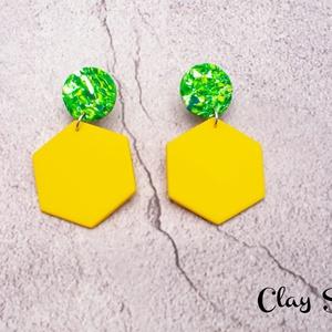 Zöld-sárga márvány hatszög fülbevaló, Ékszer, Fülbevaló, Lógó fülbevaló, Gyurma, Ékszerkészítés, Meska