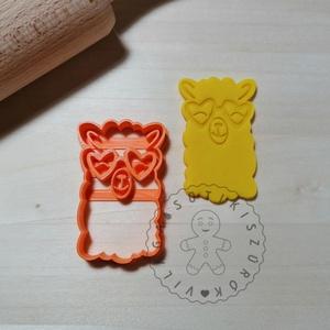 Láma szivecskés napszemüvegben - süteménykiszúró forma, sütipecsét. Linzer, mézeskalács, keksz kiszúró, Sütikiszúró, Konyhafelszerelés, Otthon & Lakás, Mindenmás, Mézeskalácssütés, Láma fej, szivecskés napszemüvegben sütemény kiszúró.\nSaját tervezésű süteménykiszúró forma, mely 3D..., Meska