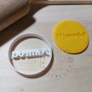 Egyedi, neves, kör alakú süteménykiszúró forma, sütipecsét. Linzer, mézeskalács, keksz kiszúró, Otthon & Lakás, Konyhafelszerelés, Sütikiszúró, Mindenmás, Mézeskalácssütés, Egyedi, neves, kör forma sütemény kiszúró. \nSaját tervezésű süteménykiszúró forma, mely 3D nyomtatás..., Meska