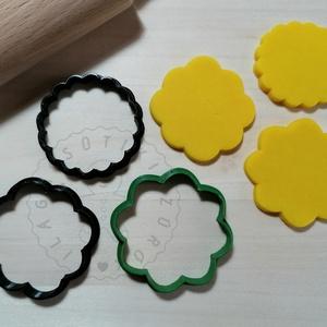 Linzer virág szett - süteménykiszúró forma, sütipecsét. Linzer, mézeskalács, keksz kiszúró, Otthon & Lakás, Konyhafelszerelés, Sütikiszúró, Mindenmás, Mézeskalácssütés, Linzer virágok forma sütemény kiszúró.\nSaját tervezésű süteménykiszúró forma, mely 3D nyomtatással k..., Meska