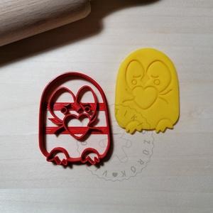 Cuki pingvin szívet ölel - süteménykiszúró forma, sütipecsét. Linzer, mézeskalács, keksz kiszúró, Otthon & Lakás, Konyhafelszerelés, Sütikiszúró, Mindenmás, Mézeskalácssütés, Cuki pingvin szívet ölel sütemény kiszúró forma.\nSaját tervezésű süteménykiszúró forma, mely 3D nyom..., Meska