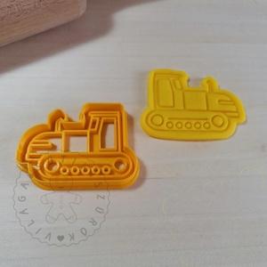 Lánctalpas traktor - süteménykiszúró forma, sütipecsét. Sütikiszúró. Linzer, mézeskalács, keksz kiszúró, Otthon & Lakás, Konyhafelszerelés, Sütikiszúró, Mindenmás, Mézeskalácssütés, Lánctalpas traktor forma sütemény kiszúró és minta nyomó.\nSaját tervezésű süteménykiszúró forma, mel..., Meska