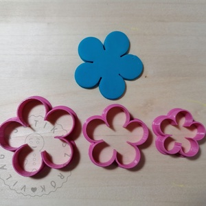 Margaréta - 5 szirmú virág süthető gyurma kiszúrók (3 db) - polymerclay, kiszúró, kellék, Otthon & Lakás, Konyhafelszerelés, Sütikiszúró, Mindenmás, Ékszerkészítés, Mrgaréta, 5 szirmú virág süthető gyurma kiszúró formák. 3 db-os szett!\nSaját tervezésű kiszúró forma..., Meska