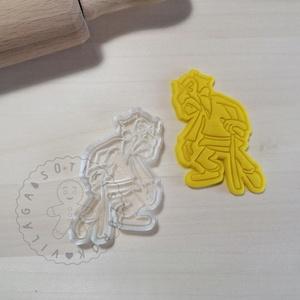 Sokadikix (Geriatrix)- süteménykiszúró forma, sütipecsét. Sütikiszúró. Linzer, mézeskalács, keksz kiszúró, Otthon & Lakás, Konyhafelszerelés, Sütikiszúró, Mindenmás, Mézeskalácssütés, Sokadikix sütemény kiszúró forma és minta nyomó.   (Asterix)\nSaját tervezésű süteménykiszúró forma, ..., Meska