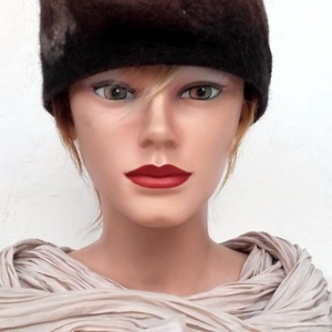 """Nemezelt kalap cloche \"""" A Természet\"""", Kalap, Sál, Sapka, Kendő, Ruha & Divat, Nemezelés, Kalap 100% gyapjúból készült, 100% selyem rost használatával. Méret 58-59, Meska"""