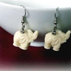 Indiai kis elefánt fülbevaló, Ékszer, Lógós fülbevaló, Fülbevaló, Indiai kis elefánt fülbevaló  Méret medál:2 cm x 2  Hossz:4cm  Az akció 3 termékem egyidejű megvásár..., Meska
