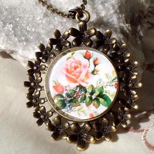 Rózsa kert, Ékszer, Nyaklánc, Medál, Ékszerkészítés, Szereted a virágokat?Rózsa a kedvenced?Tiéd lehet,vagy ajándékozhatod szerettednek is!\n\nMedál méret ..., Meska