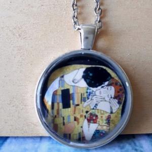 Gustav Klimt A csók üveglencsés nyaklánc, Ékszer, Nyaklánc, Medálos nyaklánc, Gustav Klimt  A csók, üveglencsés nyaklánc!  anyaga antik ezüst:25x25mm, Meska