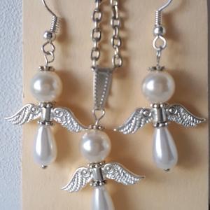 Angyalka nyaklánc,fülbevaló szett, Ékszer, Ékszerszett, Ékszerkészítés, Fehér színű angyalka nyaklánc,hozzávaló fülbevalóval karácsonyi meglepetésnek,de anyák napja ,ballag..., Meska