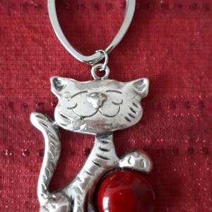 Cicás macskás kulcstartó  táskadísz, Táska & Tok, Kulcstartó & Táskadísz, Kulcstartó, Cicás macskás kulcstartó  táskadísz  ezüstszínű cica dísz kulcstartón ,de táskadísznek is kitűnő..., Meska