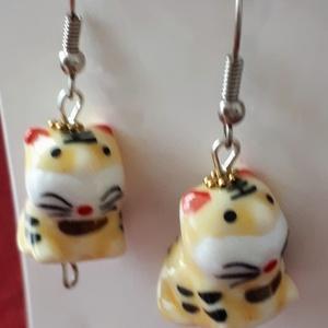 Kis tigris porcelán fülbevaló cica macska macskás, Ékszer, Fülbevaló, Ékszerkészítés, Kis tigris porcelán fülbevaló cica macska macskás akik szeretik a különlegességet\n\nméret:2,5cm..., Meska