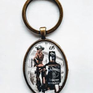 Jack Daniels üveglencsés kulcstartó, Táska & Tok, Kulcstartó & Táskadísz, Kulcstartó, Ékszerkészítés, Jack Daniels üveglencsés kulcstartó férfiaknak ajánlom elsősorban! Születésnapra,névnapra,vagy csak ..., Meska