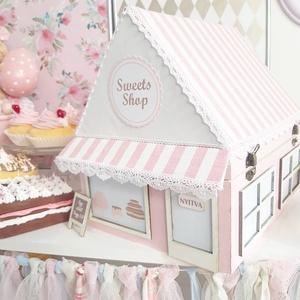 Sweets Shop Doboz, Otthon & lakás, Dekoráció, Konyhafelszerelés, Kenyértartó, Mindenmás, Különleges édesség-bolt doboz, amelyben a kedvenc édességei sorakozhatnak.\nMéret: 21×29×27cm\n\nFánkok..., Meska