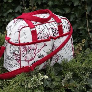 Vidám utazó táska, Táska & Tok, Bőrönd & utazás, Utazótáska, Varrás, Ebben az utazótáskában minden elfér, amire egy rövid utazás alatt szükséged lehet.\nRengeteg zseb van..., Meska