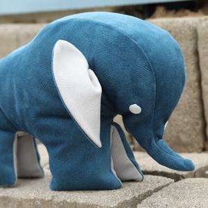 Nagyon puha elefántos plüss kedvenc, Játék & Gyerek, Plüssállat & Játékfigura, Elefánt, Varrás, A puha királykék - világos szürke plüss elefánt alig várja, hogy valaki hű társa legyen. Nagyon fino..., Meska