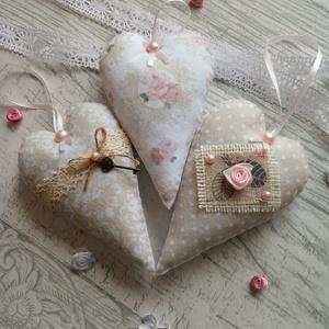 Vintage romantikus rózsás szív szett, Otthon & lakás, Esküvő, Dekoráció, Dísz, Lakberendezés, Varrás, Vintage romantikus rózsás szív szett Mintás filcből készült, hátoldala fehér színű, flízzel töltve...., Meska