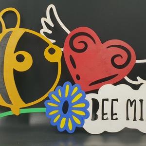 Méhecskés fából készült kézzel festett fali kép, Lakberendezés, Otthon & lakás, Falikép, Dekoráció, Kép, Famegmunkálás, Festett tárgyak, Méhecskés fából készült kézzel festett fali kép gyerek szoba dekorálására.\nMérete 49x29 cm.\nNapi ins..., Meska