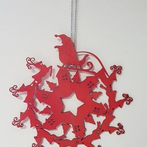 Mikulás és rénszarvasai ajtó-ablakdísz piros-ezüst színre festve, Karácsonyi kopogtató, Karácsony & Mikulás, Otthon & Lakás, Famegmunkálás, Festett tárgyak, Általam megtervezett és kivágott karácsonyi mikulás és rénszarvasai nyírfa ajtó-ablakdísz piros-ezüs..., Meska