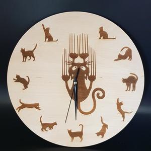 Cicák gravírozott fali óra , Lakberendezés, Otthon & lakás, Falióra, óra, Esküvő, Nászajándék, Gravírozás, pirográfia, Famegmunkálás, Fából kivágott, egyedileg tervezett, cica mintával gravírozott, lakozott fali óra. \nNapi inspirációk..., Meska