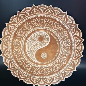 Jinjang gravírozott nyír fali kép, Otthon & Lakás, Kép & Falikép, Dekoráció, Famegmunkálás, Meska