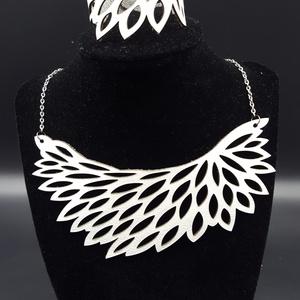 Elizabeth egyedi tervezésű bőr nyaklánc, Ékszer, Statement nyaklánc, Nyaklánc, Ékszerkészítés, Bőrművesség, Meska