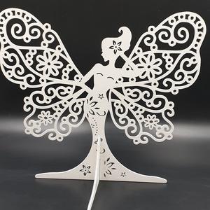 Pillangólány ékszertartó , Dekoráció, Otthon & lakás, Dísz, Ékszer, Ékszertartó, Famegmunkálás, Festett tárgyak, Pillangólány ékszertartó fehér színre festve.\nMérete: 27x29 cm.\nNapi inspirációk hatására általam me..., Meska