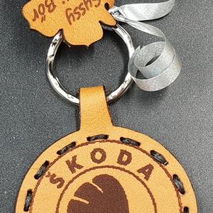 Bőr skoda emblémával gravírozott kulcstartó, Táska & Tok, Kulcstartó & Táskadísz, Kulcstartó, , Meska